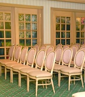 wedding_chapel_seating_329
