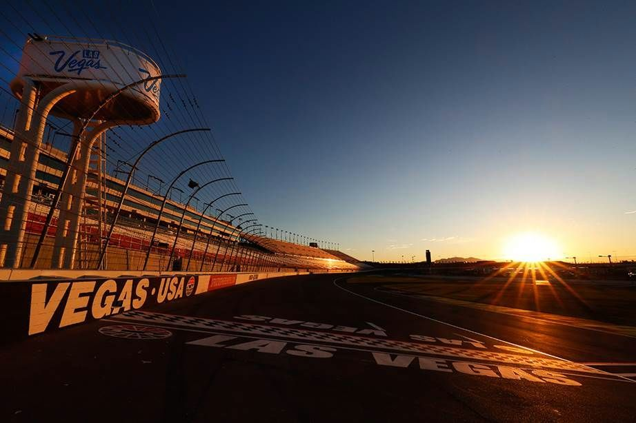NASCAR races at LVMS 3